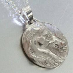 Médaille Atiana en argent rhodié