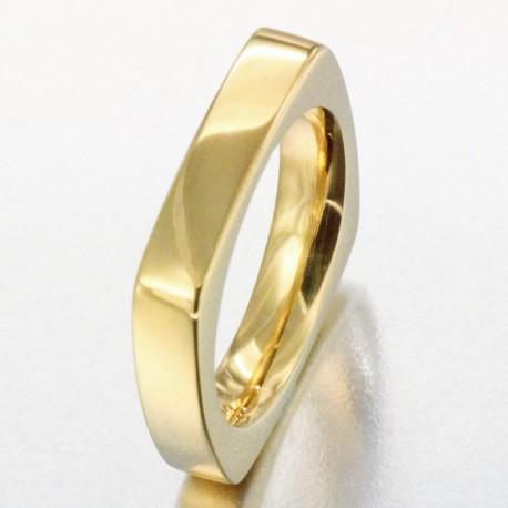 Alliance de forme carrée femme en or