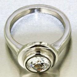 Bague Saturne sertie d'un oxyde de zirconium femme en or